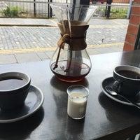 Foto tomada en Established Coffee por Meg M. el 8/6/2016