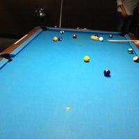 Foto tirada no(a) Eastside Billiards & Bar por Bobby A. em 10/4/2012
