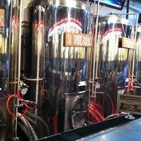 Foto tirada no(a) West Flanders Brewing Company por Kelsey K. em 1/25/2013