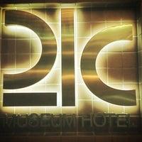 5/2/2013에 Mike J.님이 21c Museum Hotels - Cincinnati에서 찍은 사진