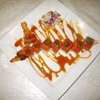 Снимок сделан в Hanabi Sushi Bar пользователем Luis A. 10/8/2012