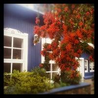Foto tomada en La Casa de Eugenia Hosteria por Agustin R. el 11/4/2012