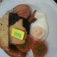 10/13/2012にPhil E.がRestaurant 104で撮った写真