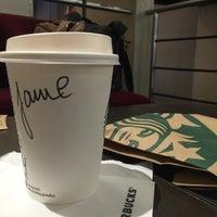 Foto tomada en Starbucks por Jamie-James L. el 3/12/2015