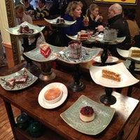 Foto tomada en Cupping Room Cafe por Emma O. el 3/2/2013