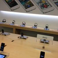 4/29/2013에 Oksana B.님이 Apple Beverly Center에서 찍은 사진
