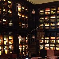 Foto scattata a The Library at The NoMad da Dorothy M. il 2/1/2013
