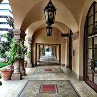 Снимок сделан в Montage Beverly Hills пользователем Randy B. 12/1/2012
