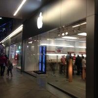 12/9/2012에 Randy B.님이 Apple Century City에서 찍은 사진