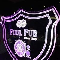 2/17/2013 tarihinde Adnan E.ziyaretçi tarafından Pool Pub'de çekilen fotoğraf