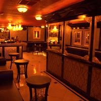 6/20/2016 tarihinde UROPA Nightclub & Loungeziyaretçi tarafından UROPA Nightclub & Lounge'de çekilen fotoğraf