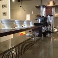Foto tomada en Mission Coffee Co. por Mike W. el 10/27/2012