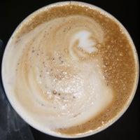 7/27/2018에 James R.님이 Irving Farm Coffee Roasters에서 찍은 사진