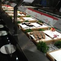 รูปภาพถ่ายที่ Nori Nori Japanese Buffet โดย Jeongseok L. เมื่อ 3/24/2013