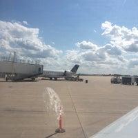 Foto diambil di The Eastern Iowa Airport oleh Jared pada 7/8/2014