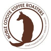 6/21/2016 tarihinde Noble Coyote Coffee Roastersziyaretçi tarafından Noble Coyote Coffee Roasters'de çekilen fotoğraf