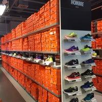... Das Foto wurde bei Nike Factory Store von Eemil V. am 8 3  ... 195f0509ff8ac
