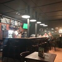 Photo prise au Lone Striker Pub par Evgeniy P. le3/24/2018