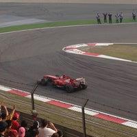 Das Foto wurde bei Shanghai International Circuit von Santyago am 4/14/2013 aufgenommen