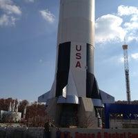 รูปภาพถ่ายที่ Space Camp โดย Tracy C. เมื่อ 11/21/2012
