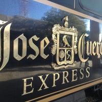 Das Foto wurde bei Jose Cuervo Express von Rodrigo C. am 4/13/2013 aufgenommen