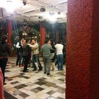 Foto diambil di Salsa Candela Mexico oleh Gerardo F. pada 1/16/2015