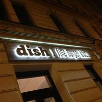 Das Foto wurde bei Dish – Fine Burger Bistro von Lee R. am 11/22/2012 aufgenommen
