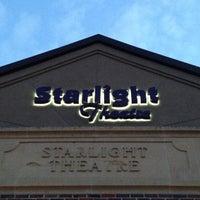 Das Foto wurde bei Starlight Theatre von Rebecca am 10/2/2012 aufgenommen