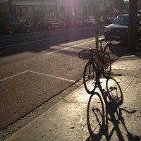 4/5/2013 tarihinde Tey B.ziyaretçi tarafından Everyday Coffee'de çekilen fotoğraf