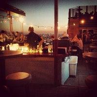 6/25/2013 tarihinde İnanç Oskayziyaretçi tarafından Balkon Bar'de çekilen fotoğraf