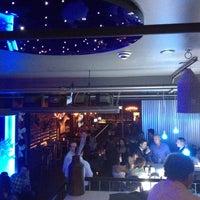 9/28/2013 tarihinde Davidziyaretçi tarafından The Lodge Bar + Grill'de çekilen fotoğraf