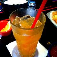 Foto tomada en La Parrilla Mexican Restaurant por Rebecca N. el 6/29/2013