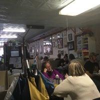 Foto scattata a Betty's Restaurant da Mollie B. il 2/12/2017