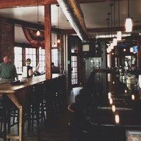 Foto diambil di Shaw's Tavern oleh Ryan G. pada 3/29/2013