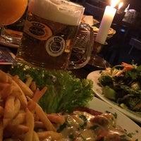 Das Foto wurde bei Restaurant Cafe Bleibtreu von Marcin K. am 5/2/2014 aufgenommen