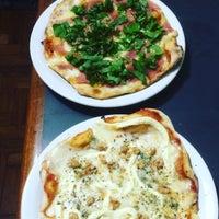 Foto tirada no(a) Parigi Pizzaria e Bistrot por Bruno P. em 10/10/2016