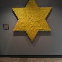 Foto tomada en The Jewish Museum por Tania Irell el 7/13/2013
