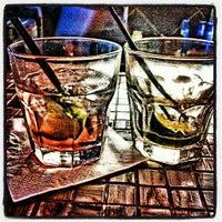 รูปภาพถ่ายที่ Avery's Bar & Lounge โดย Toya R. เมื่อ 5/2/2013