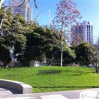 Foto tirada no(a) Yerba Buena Gardens por Francis K. em 2/21/2013