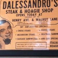 Das Foto wurde bei Dalessandro's Steaks and Hoagies von Mike E. am 5/19/2013 aufgenommen