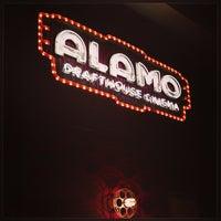 Foto tirada no(a) Alamo Drafthouse One Loudoun por Mike S. em 7/7/2013