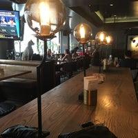 Foto tirada no(a) The Blackbird Public House & Oyster Bar por Jody M. em 6/29/2018
