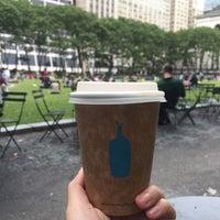 Photo prise au Blue Bottle Coffee par Poon N. le6/8/2017