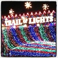 Foto scattata a Austin Trail of Lights da Dana F. il 12/24/2012