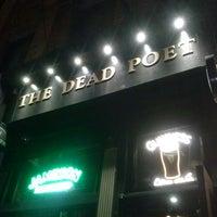 Foto scattata a The Dead Poet da Joseph U. il 9/14/2013