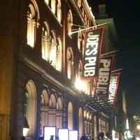 Das Foto wurde bei The Public Theater von Abigail S. am 11/30/2012 aufgenommen