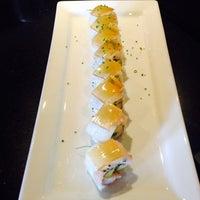 Photo prise au The Sushi On Sunset par Adriana M. le10/20/2013