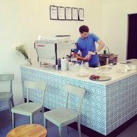 Foto diambil di kaffemik oleh Jenny B. pada 6/27/2014