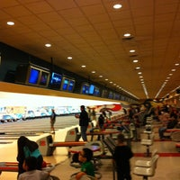 Foto scattata a Orleans Bowling Center da Misty il 11/20/2012