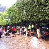 Foto tomada en Jardín de la Unión por Eden E. el 4/4/2013